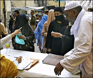 M_Id_65672_muslim_voters